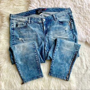 TORRID | Ankle Zip Stiletto Jeans sz 18